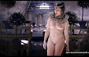 Calda bionda in video erotici x donne rosso